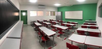 Mandatario habilitará mejoras en instituciones educativas y en el hospital Barrio Obrero