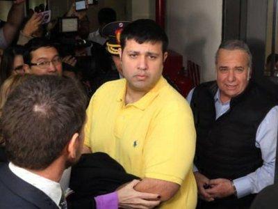 Fiscalía pide que González Daher afronte juicio