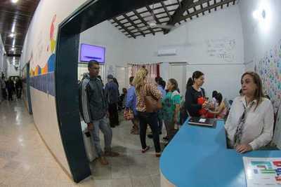 Jefe de Estado habilita mejoras en el Hospital Barrio Obrero