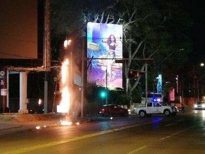 Incendio de transformador generó caos en el tránsito