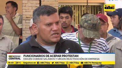 Funcionarios de ACEPAR protestan