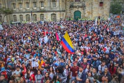 Protesta de estudiantes deja 6 heridos en Bogotá, Colombia