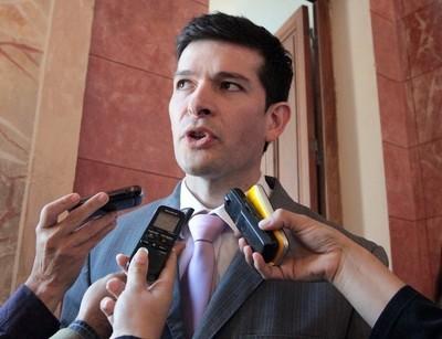 Sergio Godoy sostiene que se está robando a mansalva por todos lados
