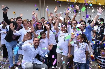 Fiesta del Arcoíris celebró vida de 800 niños que vencieron al cáncer