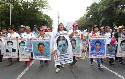 México vuelve a buscar a 43 estudiantes desaparecidos hace cinco años
