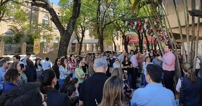 Padres del Inter protestan por aumento y falta de transparencia