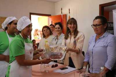MTESS presentó cursos de capacitación laboral en Carmelo Peralta