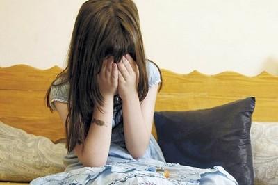 Imputan a un hombre y una mujer por abuso de sus seis hijas