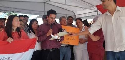 """HOY / Clínicas levanta huelga tras  acuerdo con Hacienda sobre  nivelación salarial y """"otros"""""""