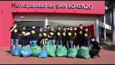Hicieron minga ambiental y llevaron la basura frente a la Municipalidad