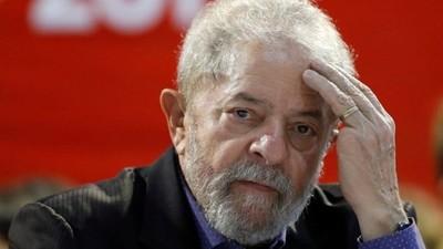 Diputado del PT pide liberación total de Lula da Silva