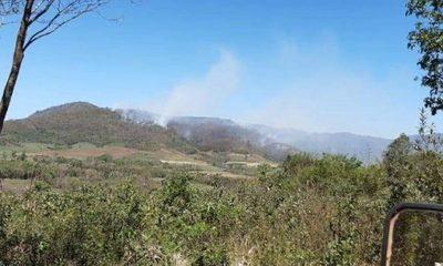 En el Ybytyruzú con avión cisterna combaten voraz incendio forestal