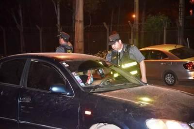 En una noche sacan de circulación a 105 conductores ebrios en Central •