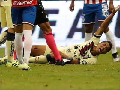 Escalofriante: Terrible lesión de Giovani dos Santos
