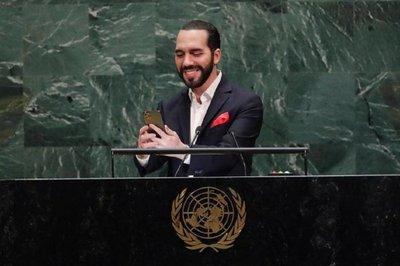 La selfie viral y el discurso millennial del presidente de El Salvador