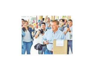 Suárez fue electo  gobernador en Mendoza