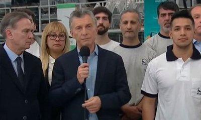 Macri promete eliminar los impuestos a pymes que contraten el personal en 2020