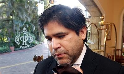 Con proyecto anti escrache, Luis Urbieta se gana el repudio nacional y la presión lo obliga a recular