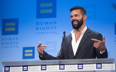 Ricky Martin anuncia que está embarazado