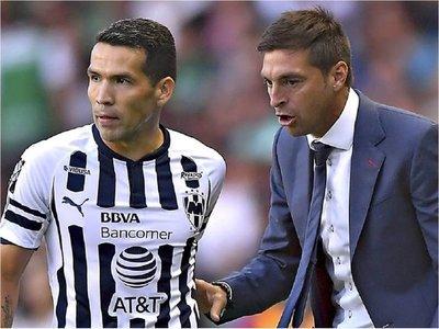 Celso Ortiz se queda sin técnico