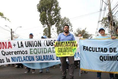 Nivelación salarial UNA: Falta firma del Ejecutivo para que vaya al Legislativo