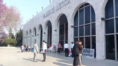 Funcionarios judiciales anuncian manifestaciones contra horario escalonado