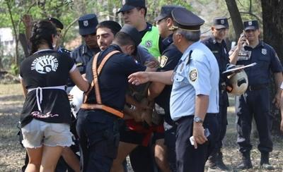 HOY / Botánico: activistas detenidos tras intentar impedir inicio de obras