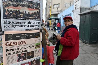 Tranquilidad en Perú un día después de la disolución del Congreso