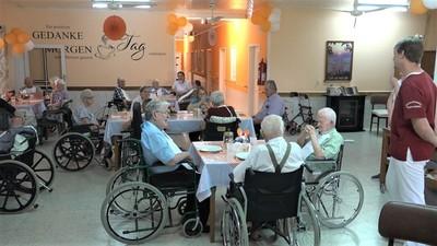 Hogar de Ancianos de Filadelfia celebra Día del Adulto Mayor