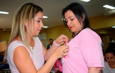 Octubre Rosa: Luqueños ponen en marcha campaña contra el cáncer de mama •