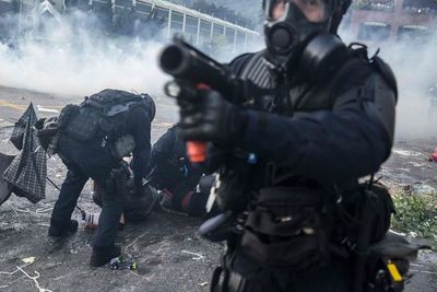 La violencia en Hong Kong eclipsa el aniversario del régimen chino