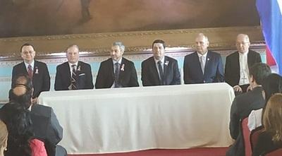 Firma de acuerdo permitirá inicio de construcción de 1800 viviendas en Costanera Norte
