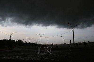 Anuncian lluvias y tormentas desde esta noche