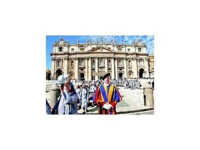 Vaticano registra su secretaría  por denuncias  financieras