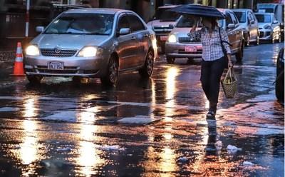 Anuncian un miércoles cálido, con lluvia y ocasionales tormentas eléctricas
