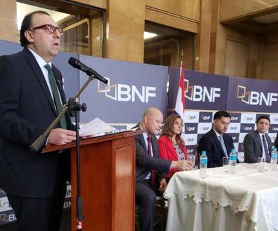 Carlos María Florentín asumió como nuevo presidente del BNF