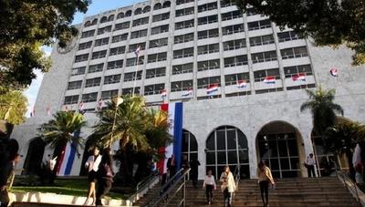 Corte suspende a jueces y a fiscala del caso Paraguarí