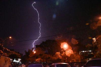 Anuncian tormentas para cuatro departamentos