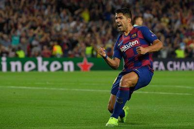 Suárez le da la victoria al Barcelona