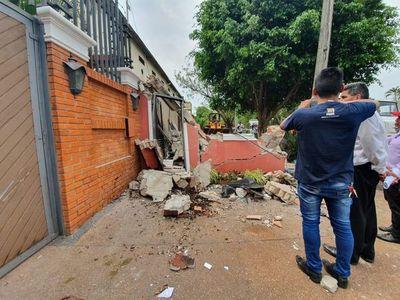 Demolieron caseta irregular frente a domicilio de Zacarías Irún