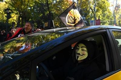 Taxistas contra Uber y Cabify: Justicia española rechaza querella