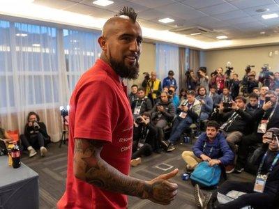 Vidal y Orellana vuelven a la lista de La Roja