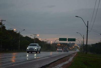 Viernes fresco a cálido y con lluvias dispersas, anuncia Meteorología