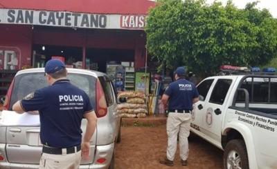 Allanan comercial San Cayetano e incautan mercadería de contrabando