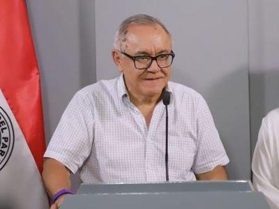 """Titular del Indert reitera que no va a renunciar y habla de """"10 casos más de coimas"""""""