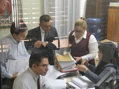 Fiscal no descarta implicancia del  titular del Indert en red de coimas
