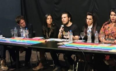 Comunidad LGBT para nueva marcha para el 26 de octubre