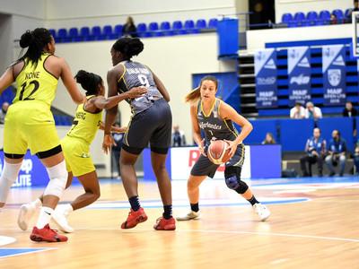 Paola Ferrari debuta en la liga francesa con 13 puntos