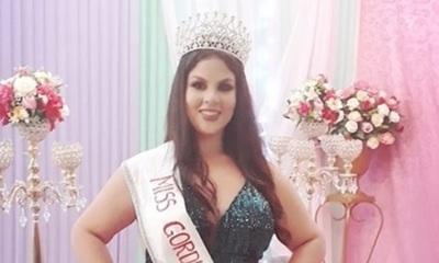 Laura Ramírez entregó su corona de Miss Gordita