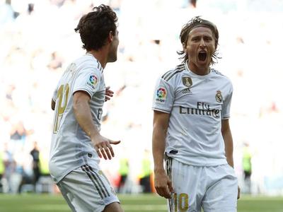 El Madrid gana y sigue arriba e España